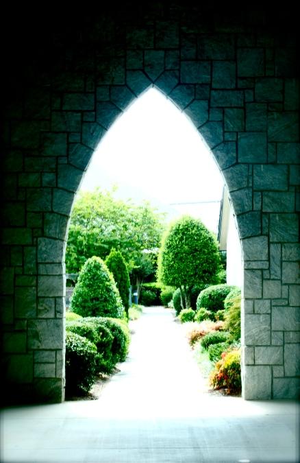 Snellville UMC garden archway